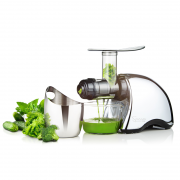 Juicing med Omega 707 juicer
